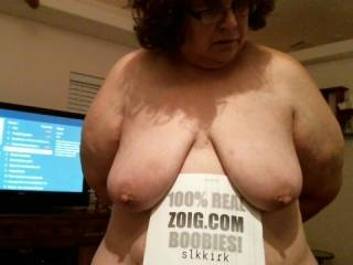 Love the way those huge natural saggy tits hang....fantastic !