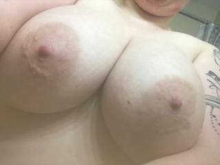 Sexting me pics of her big tits