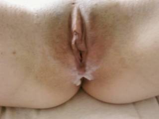 I love watching my cum drip from a freshly fucked pussy.