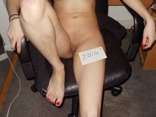 sexy feet, gorgeous pussy and perfect tits, what else could a man ask for?