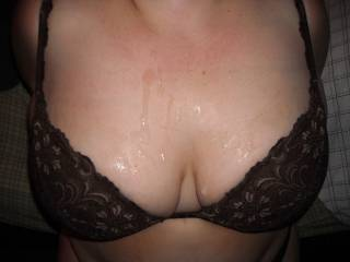 OMG, I would love to cum all over those Beautiful tits...
