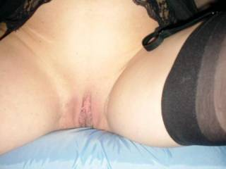 mmm would love to lick your shaved pussy lips,,,