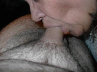 I love sucking      mouth only no hands my specialty