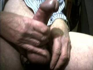Great cock, with a beautiful big glans which shoots a nutritious big load of cum!