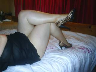 i think those legs would look great wrapped aroung me!!