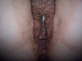 i love her hairy pussy !mmm, i wanna fuck her pussy deep and hard and spray my cum all over her hairy cunt !