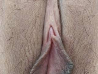 alright, alright all can enjoy a close-up of my wife tight pussy !