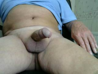 very nice cock n balls love the smooth look too very hot