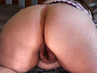 My white bbw ass. I would love you to make it even whiter!