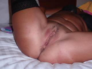 what a lovely slit...would like to suck, lick and fuck that gorgeous unit....simply gorgeous...