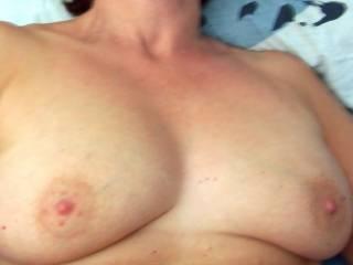 Beautiful nipples, lovely tits. I want to suck them please