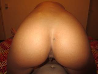 get a blowjob and looking at her nice ass
