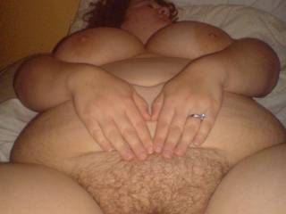 a big girl size 16 plus but love cock so does my horny bi hubby to cum play with us both thanxs