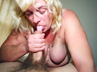 Lov to slide my cock into her mouth