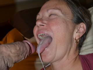 He really enjoys fucking my face until he cums directly in my throat. Do you and your friends want to give me a throatpie?