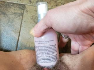 I was instructed to find an object in the bathroom and stick it in my pussy, I chose hair detangler.