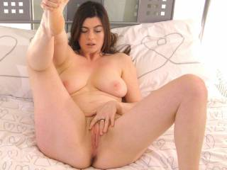 stunning beautiful pussy I want to fuck great tits I want to play with and sexy feet I want to kiss and suck thoes toes as I fuck you so hard
