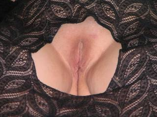 That's a nice picture frame...does it come off easily?  It would be a shame to get it covered in cum!
