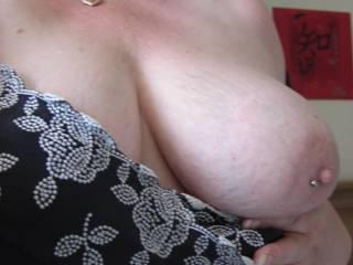 fabulous tits, a lot like my wife.