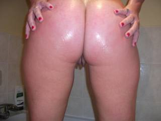 Really nice ass but its missing something.... me behind you reminding you how beautiful it is by rubbing oil all over it while I spank you til those perfectly round cheeks get beet red
