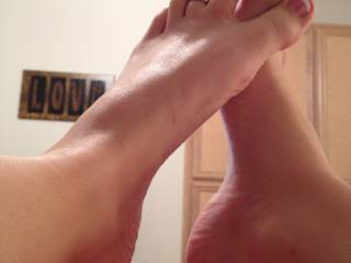 mmm love to slide my throbbing cock between them sexy soles