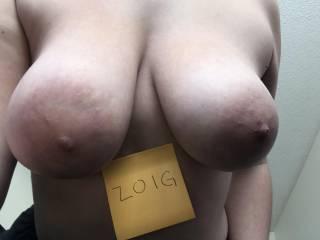 titties for the guys of zoig