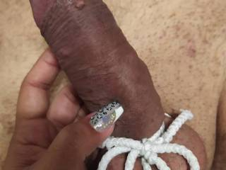 Wifey\'s first involvement in cock bondage 1