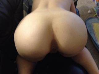 damn....I wish I can lick your pussy in this position,then tease your heavenly hot ass and body while I`m fucking you and my balls are splashing on your pussy....