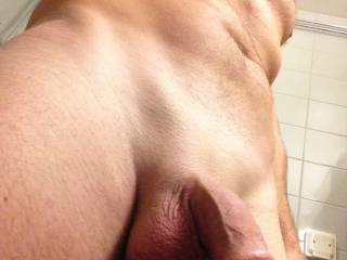 Well shaven! Love that big uncut cock head