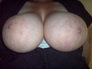 i have dumped 2 loads looking at her tits allready and my cock is raw but still hard shes a 10