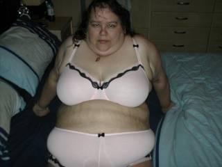 Mmm hon u r so damn sexy I love your big sexy body.