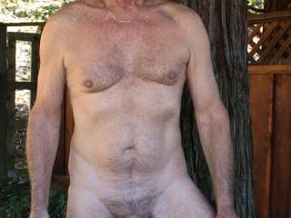mmmm very sexy body, i wish i could be there on my knees taking good care your cock.