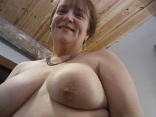 I need my man to make my tits glisten with his cum. He can\'t miss! Do you like to cum on tits?