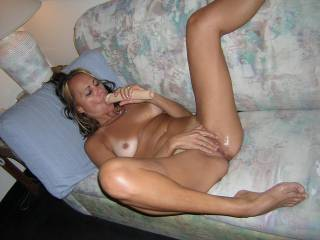 emm would love to be licking you till you cum all over my face. nice dildo too do you share?
