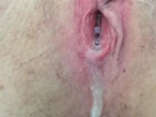 Love cum running out of my pussy.
