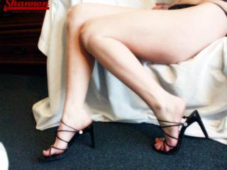 very hot,if only my cock and balls could be feeling your supple skin and those sexy heels...yumyumyum