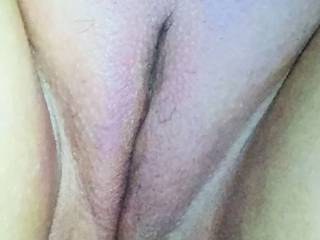 My girls lovely pussy all nice and waxed. Do you like?