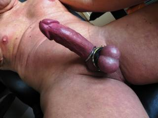 HHmm..HOT! would like to lick your smooth balls, suck your hard cock!