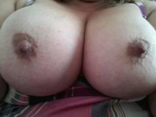Fantastic nipples mmm I'd love to suck those xx
