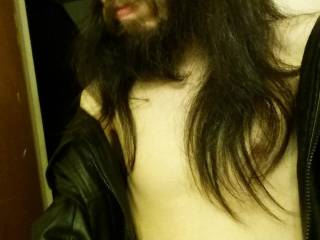 Hot rock guy looking for women out there open minded looking for sex