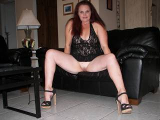 Love those legs and heels!!