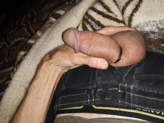 Love the swollen  felling  of  tiring off my cock. Feels great, and looks great ,right ladys.