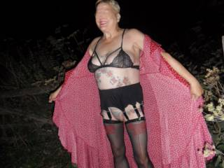 Hi all how about a quick flash for fun? it is a turn on feeling the cold night air all over my skin. dirty comments welcome mature couple