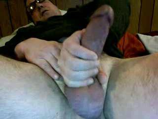 nice cock! i would love to suck and play with you! to bad were not next door! you would cum good!