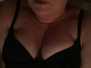 Cum all over her lips, face & beautiful tits
