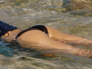 Caught him taking pictures of my ass while I was snorkeling... he said he couldn\'t wait to rip my bottoms off and ravage my ass & pussy~! Would you feel the same??