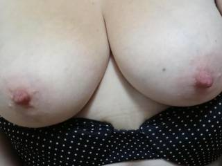 Who wants to nut on my wife\'s tits ? What do you guys think of her and her tits?