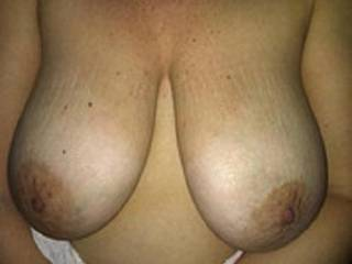Her saggy tits
