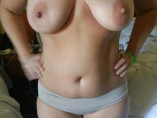 Love her big titties!