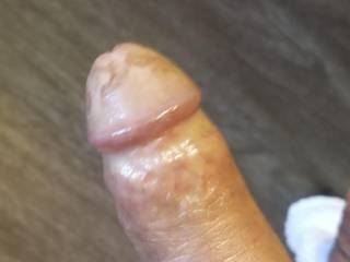 Needs a juicy  pussy
